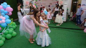 Праздник моды для детей и родителей«MiniModelDani.Kristine2017»