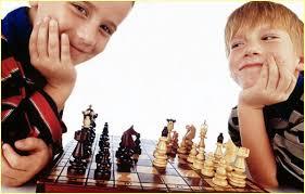 Шахматы- учим детей играть.